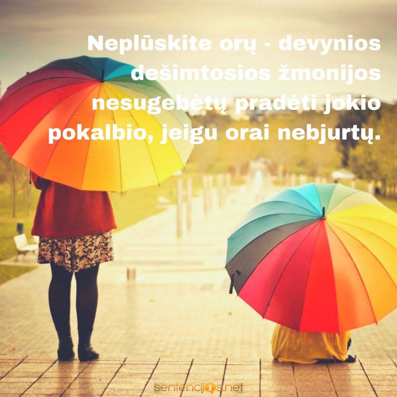 skeciai ir lietus