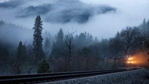 traukinys-ant-begiu
