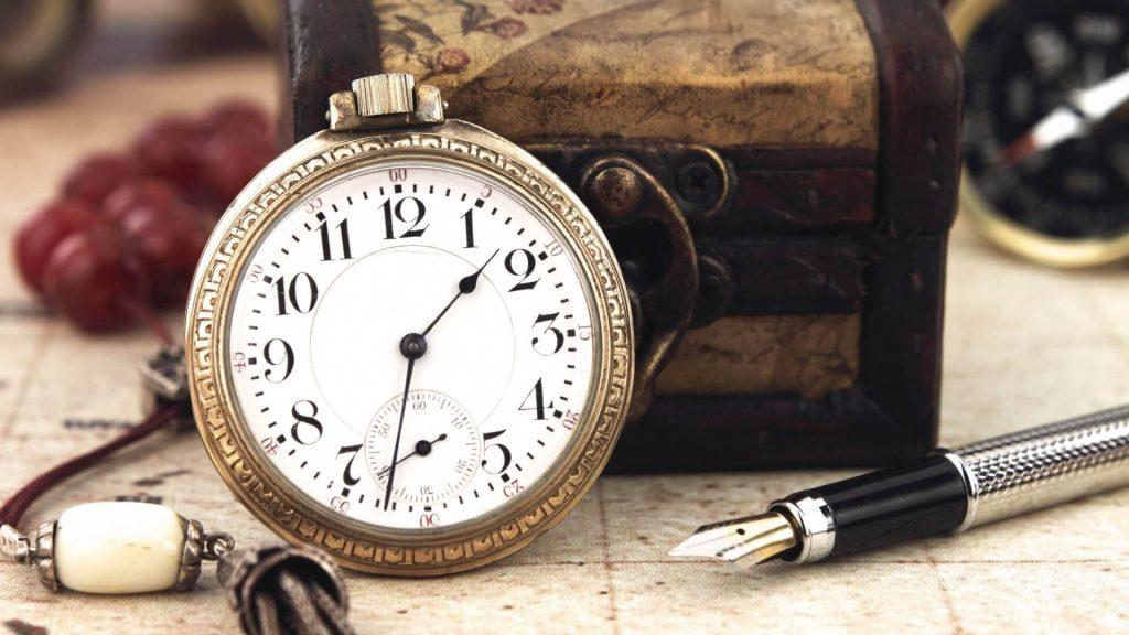laikrodis-ir-rasiklis
