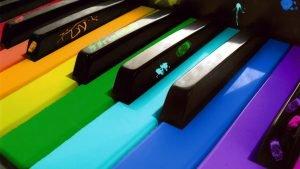 spalvoti-klavisai