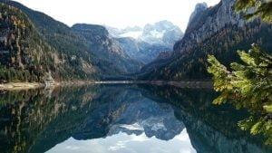 upe tarp kalnu